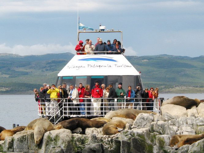 Canal Beagle + Lobos Marínos Tolkeyen Patagonia Turismo