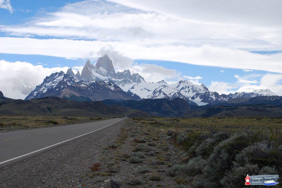 Vista-de-El-Chaltén-desde-la-ruta