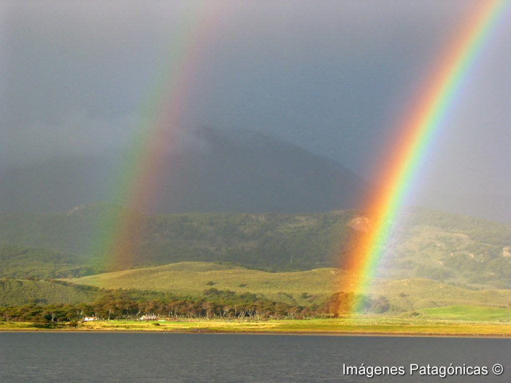 Arcoiris en el Canal Beagle Tolkeyen Patagonia