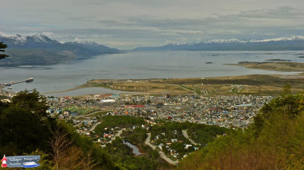 Vista desde el Glaciar Martial Tolkeyen Patagonia