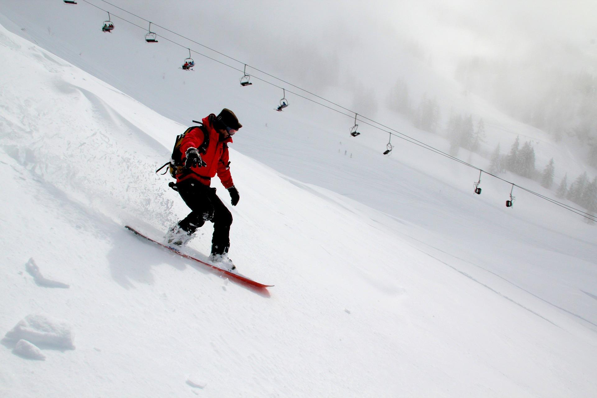 snowboarding-554048_1920
